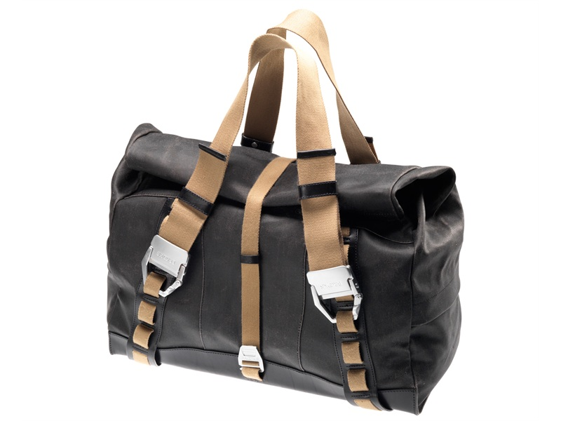 hampstead-holdall-1-black-no-logo_w800_h600_vamiddle_jc95