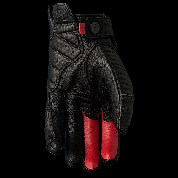 five-gloves-dakota-1-