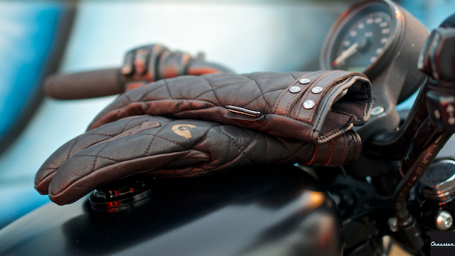 Gloves-guns-wear-icon-sportster