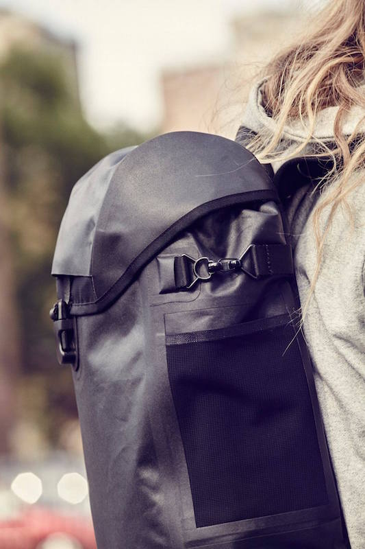 eastpak-bust-merge-welded-2