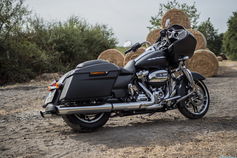 road-glide-milwaukee-eight-107-my17-1
